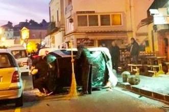 Photo of Incidente a Via Iasolino, auto si ribalta