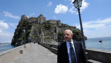 Photo of Coronavirus in Campania, ecco il piano di contro la crisi: pensioni a mille euro e contributo fitti
