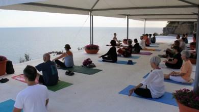 Photo of Yoga della risata, il meeting italiano nel mese di ottobre a Ischia