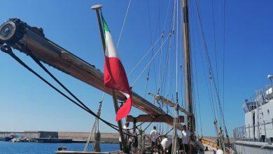 Photo of LA FOTONOTIZIA Due gioielli della marineria e della GdF nel porto di Forio