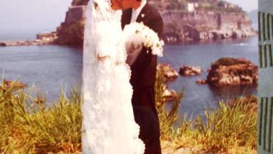 """Photo of Ecco ottobre, il mese """"sacro"""" per i matrimoni col rito religioso e civile. La maggioranza delle coppie a Ischia sceglie il velo bianco e l'altare con i fiori"""