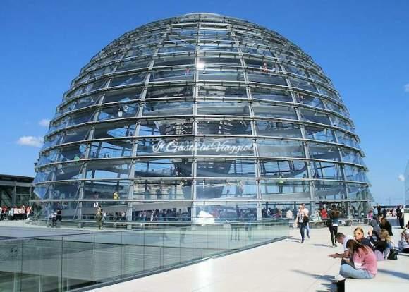 10 cosa da fare assolutamente a berlino, parlamento di berlino, cupola norman foster