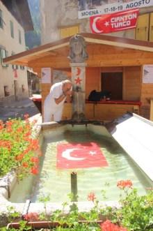Moena Yeniceri Cesmesi'den su ictik (8)