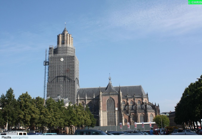 Turk girirsimcilerden kiliseye yardim (1)