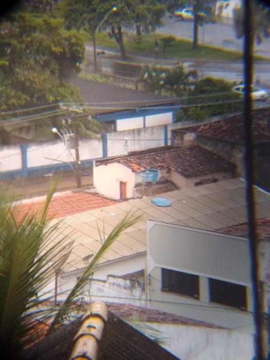 ILHÉUS: Moradores reclamam de Caixa d'água aberta na Avenida Canavieiras 1
