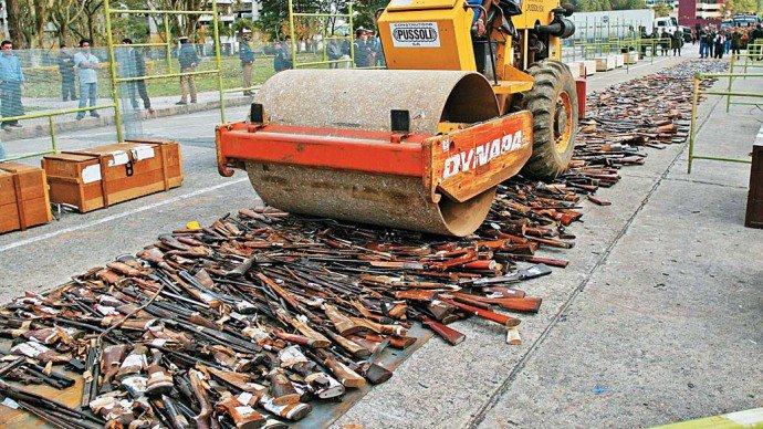 rolo-compressor-armas-apreendidas-20070510-original