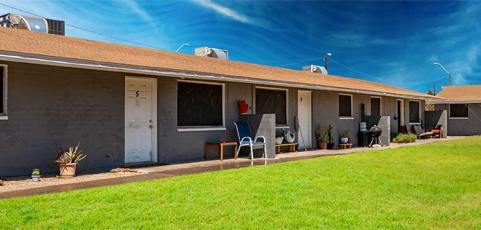 16 Unit Apartment Complex in Phoenix, AZ [Sold July 2, 2021]