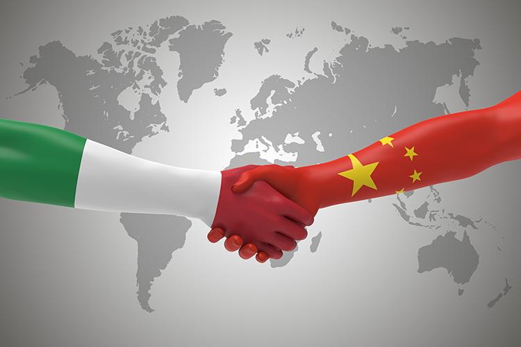 Coronavirus: team di medici cinesi porta tonnellate di materiale sanitario in Italia