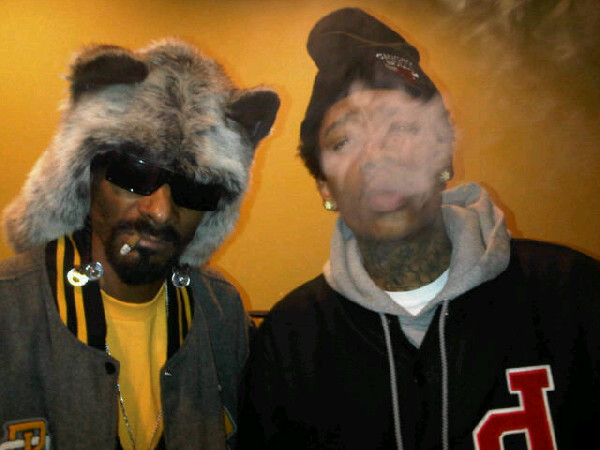 "Snoop Dogg & Wiz Khalifa ""This Weed Iz Mine"""