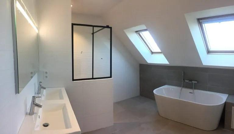 comment poser de la faience dans une salle de bain illico travaux