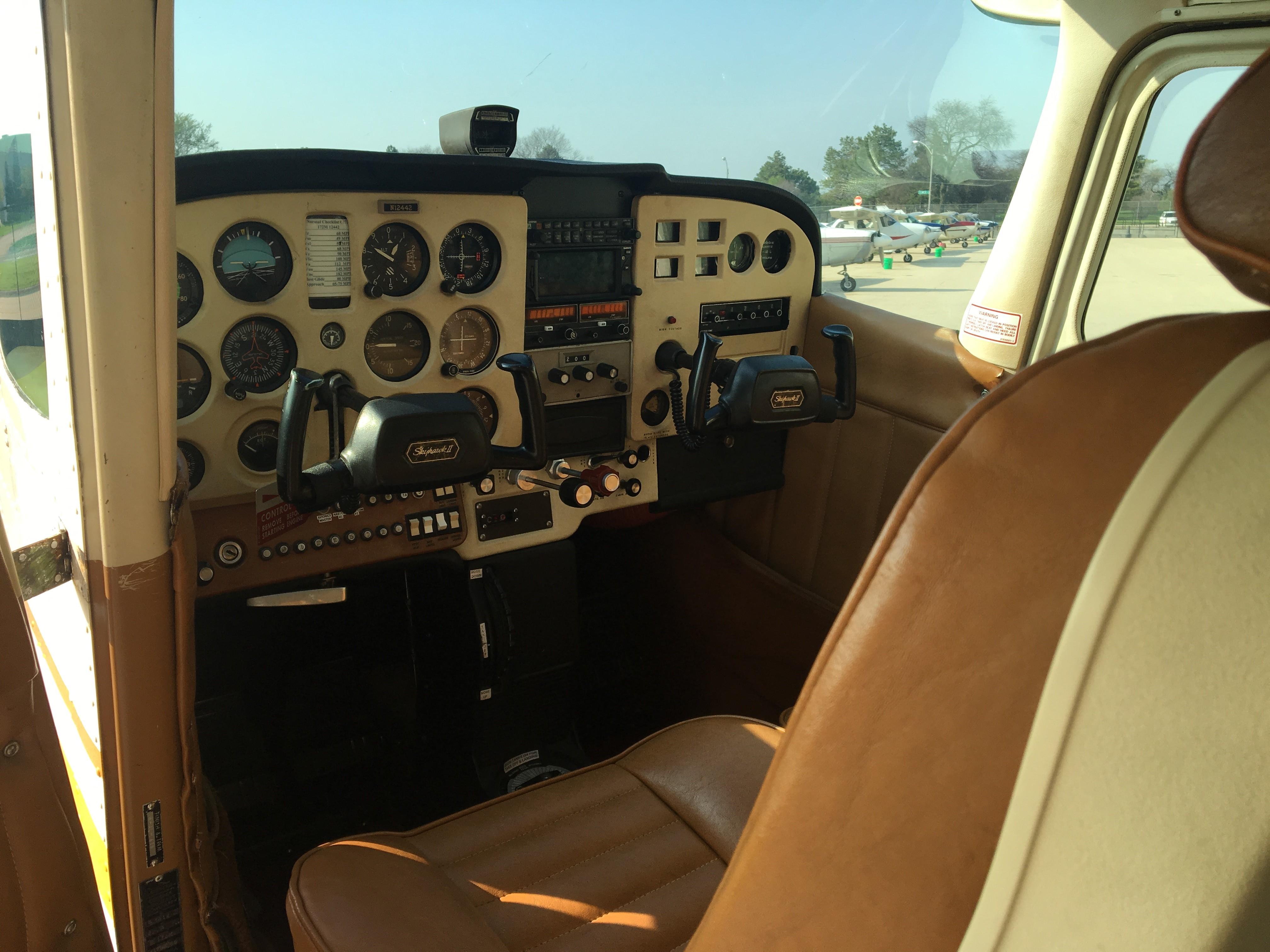 Cessna 172M 1973 Illinois Aviation Academy