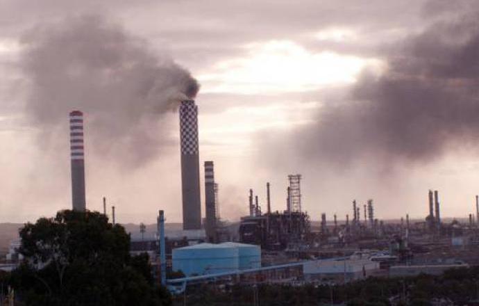 """Protocollo d'intesa dell'area di Gela, sindacati: """"Accelerare su raffineria green"""""""