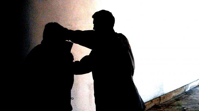 Aggressioni omofobe a Vittoria: indagati 11 minorenni