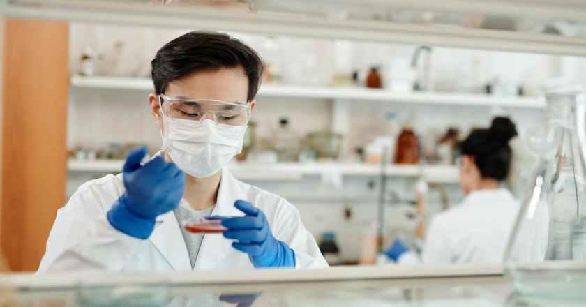Covid: infermiera non vaccinata finisce in Rianimazione