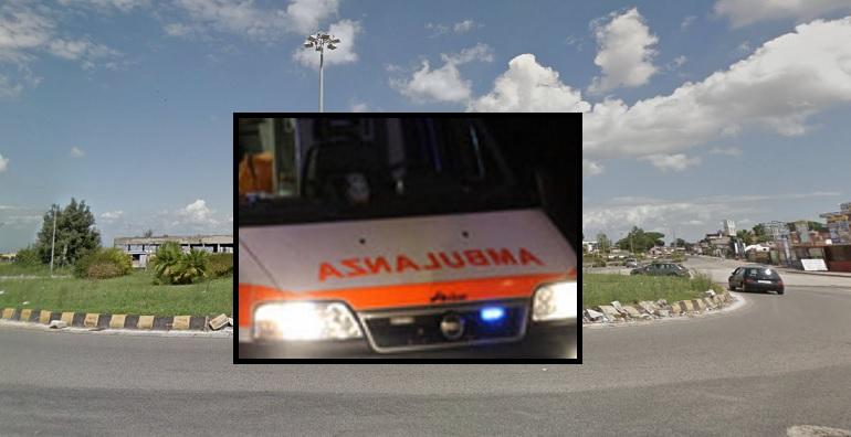 Incidente mortale alla rotonda Auchan di Giugliano, morta 23enne