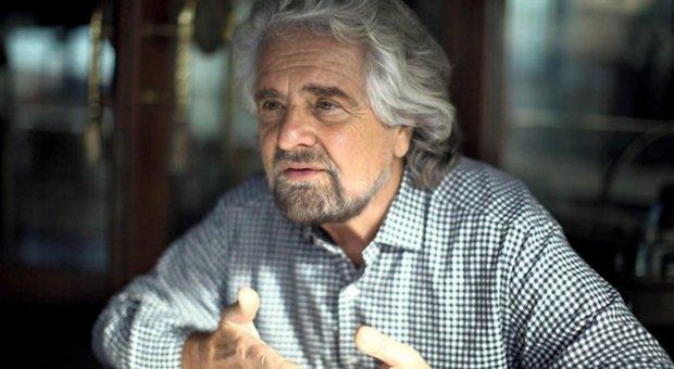 Vaccini, Grillo firma il patto di Burioni. Il web insorge e lui sbotta: «Terrapiattisti»