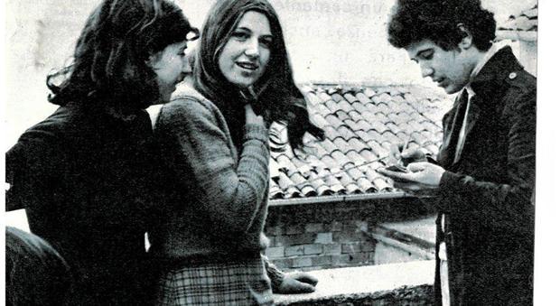 Risultati immagini per Lucio Battisti e quel pomeriggio uggioso con le fan a Poggio Bustone, il ricordo inedito