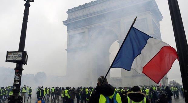 París, cerca de la Torre Eiffel y el Louvre: tensión para las protestas de mañana