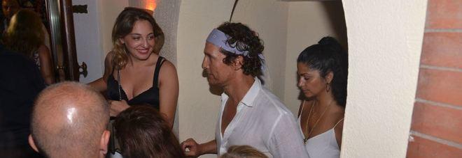 Leonardo Di Caprio e McConaughey a Capri, mimetizzati alla Taverna Anema e Core