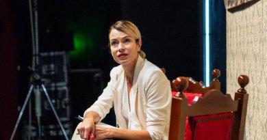 """""""Squalificati"""" con Stefania Rocca al Teatro Sannazzaro"""