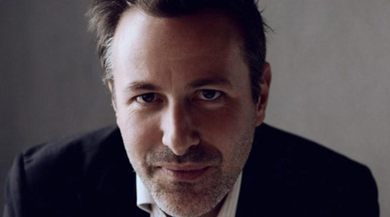 """Davide Enia in """"L'abisso"""" al Teatro Sannazaro"""