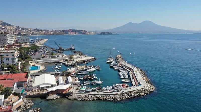 NAVIGARE da ottobre sul Lungomare di Napoli