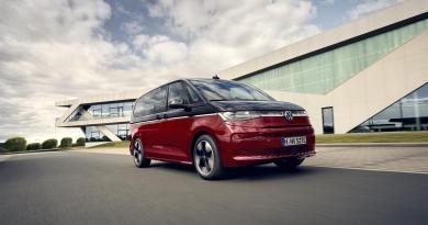 Volkswagen Veicoli Commerciali Anteprima Il nuovo Multivan vince il prestigioso Red Dot Award: Product Design