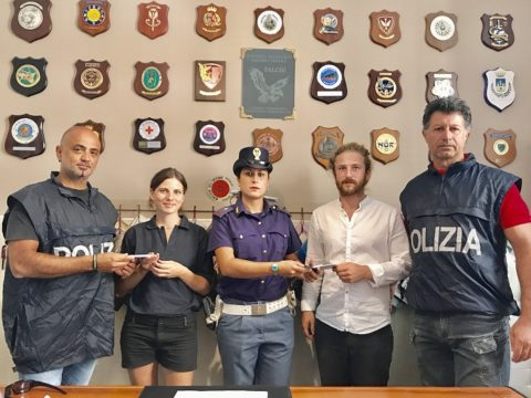 Palermo- Rapina - consegna refurtiva