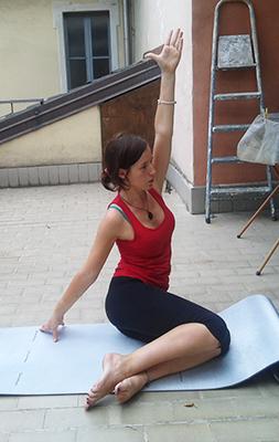 Esercizio 2 rotazioni busto e gambe 2