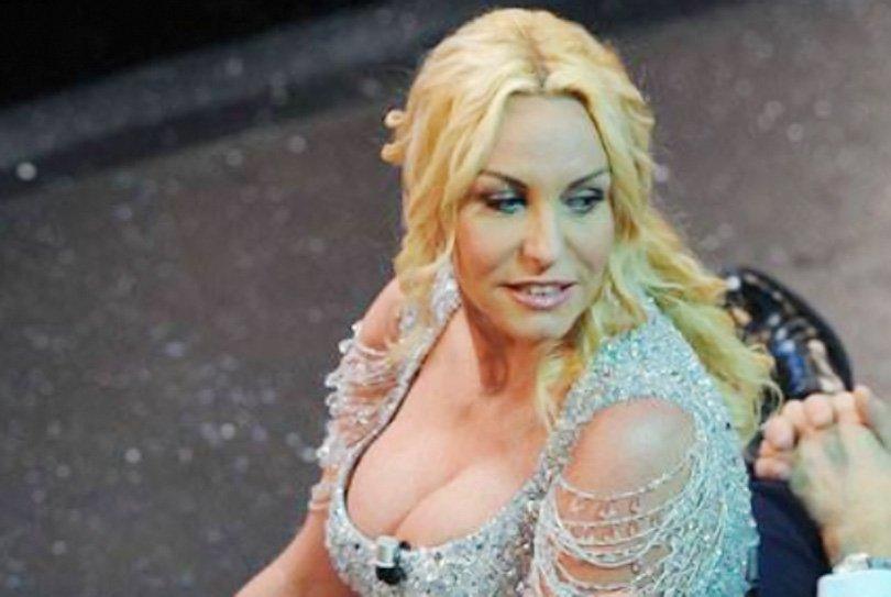 Antonella Clerici lascia il mondo dello spettacolo per la famiglia?