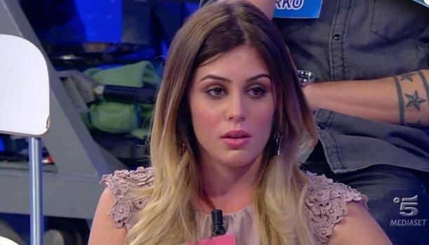 Uomini e donne, Andrea Melchiorre nel mirino dei fan: dai baci ad una bionda alla crisi con Giulia Latini