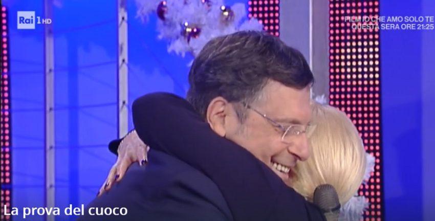 Sorpresa di Fabrizio Frizzi ad Antonella Clerici che tornerà presto all'Eredità