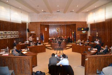 L'appello di Desiati e C. agli altri consiglieri: stacchiamo la spina all'Amministrazione Lapenna!