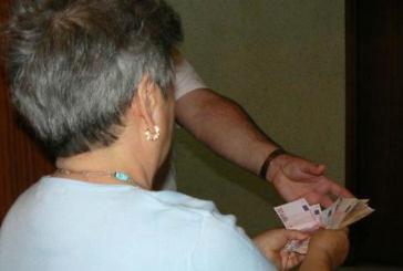 In azione falsi volontari delle associazioni. Chiedono soldi agli anziani ma è una truffa