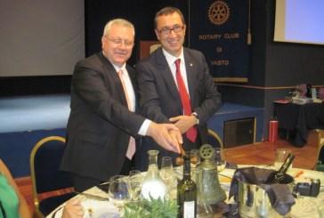 Passaggio del Martelletto al Rotary Club di Vasto