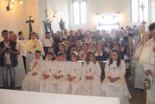 5 - I fedeli nella chiesetta