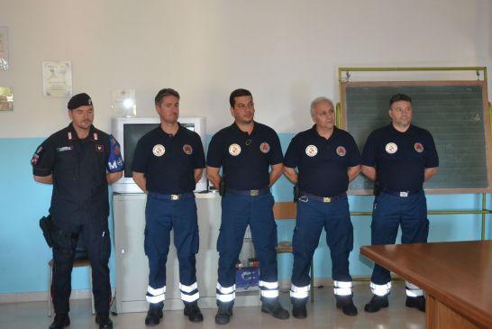 aiuti al Kossovo-scuole - 04