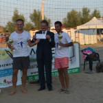 Lapenna premia i vicnitori del 1.mo torneo nazionale Csi  di Tambeach