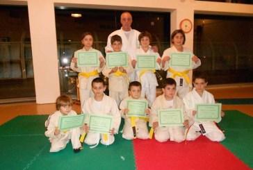 La consegna di cinture e riconoscimenti ai piccoli campioni  dell'ASD Judo Sant'Onofrio