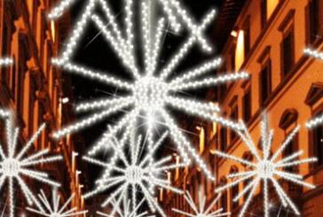 E a Natale in centro si spengono le luci…