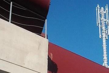 Parcheggio Multipiano, l'Antenna può restare