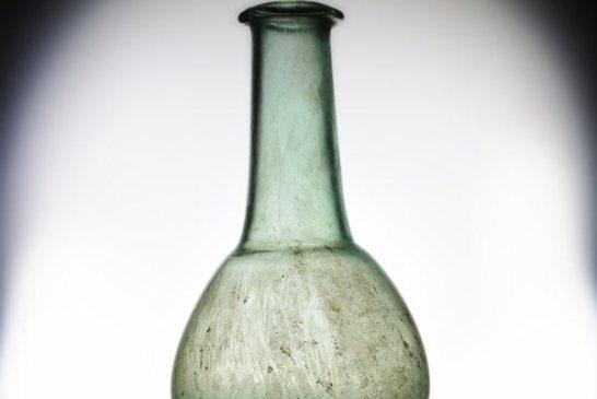 MASDA_001 Unguentario di vetro dalla necropoli romana