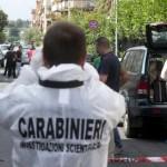Trovato morto in un camion a Roma, tracce sangue su schiena