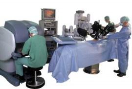 Ginecologia, primo intervento con il robot