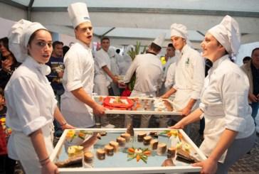 Chef e assistenti in grandi e piccole città inglesi