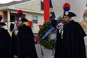 Vasto: Pietro Grasso ha inaugurato il Monumento del Bicentenario dell'Arma dei Carabinieri