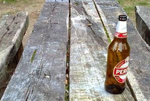 Bottiglie di birra alla Villa Comunale