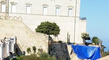 Palazzo d'Avalos, nuova gara d'appalto e il muraglione ricomparirà...dopo l'estate