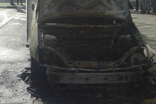 incendio auto villa 01