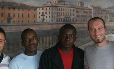 Vasto, una cinquantina di profughi ospitati nell'hotel Continental